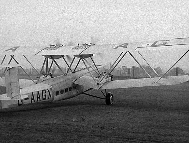 File:AVION IMPAIR ZAH.jpg