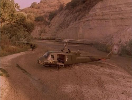 Airwolf 2.08 Huey 5.jpg