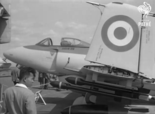 Farn04 Supermarine-Attacker-FB2 WK338.png